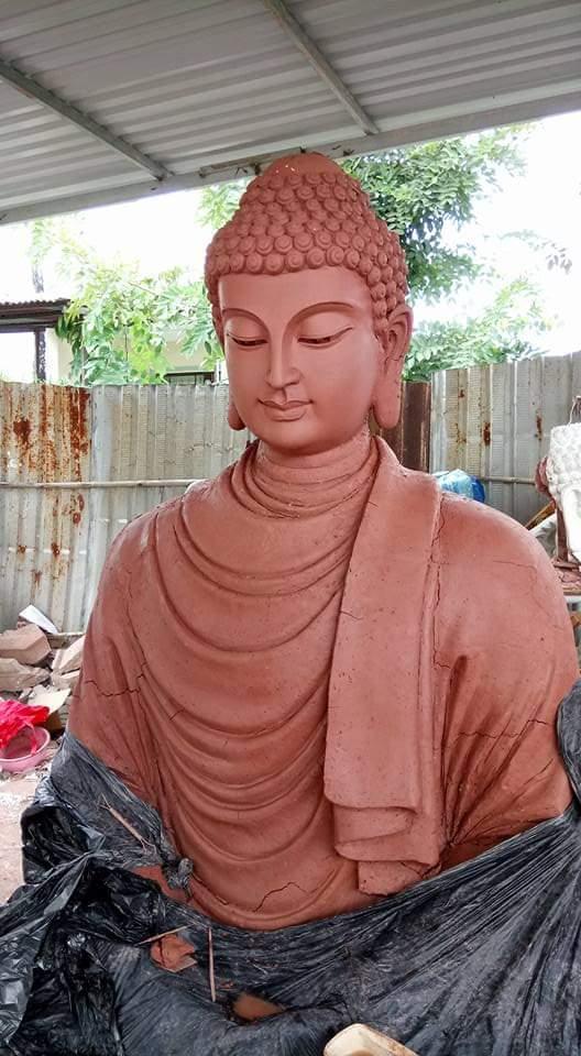 Tượng Phật thích ca bằng chất liệu composite 01
